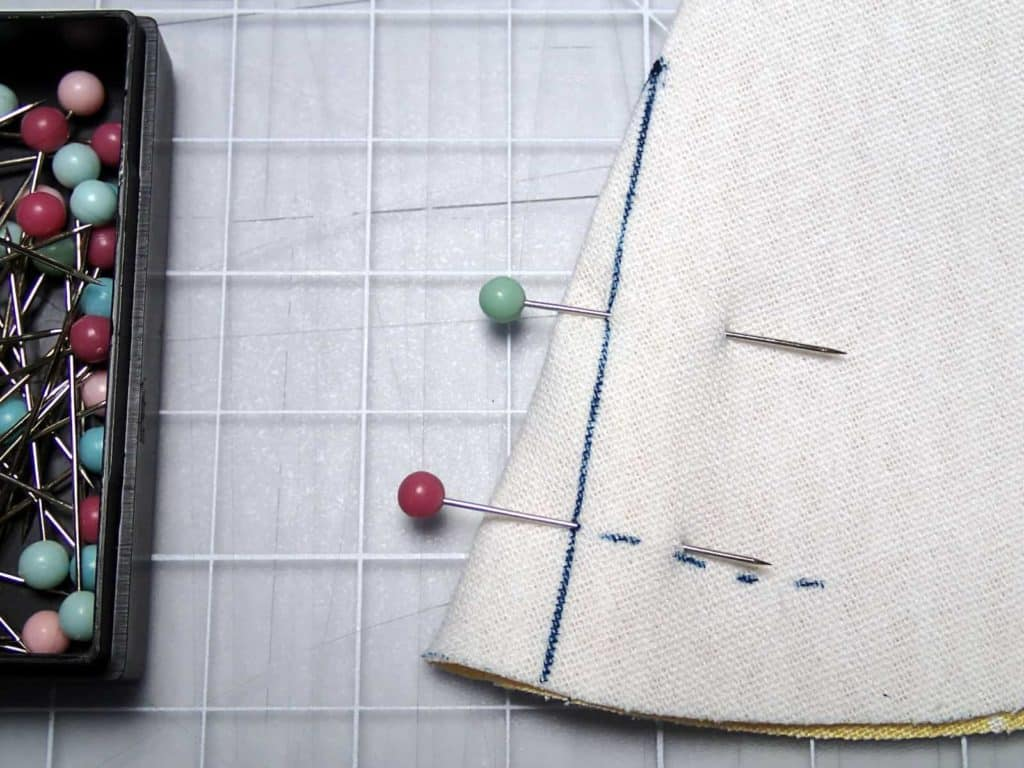 How to sew darts. Image from tutorial on how to sew darts for bag making, including how to mark darts, how to sew darts and how to press them.